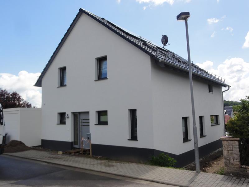 Einfamilienhaus neubau mit garage  Neubauobjekte